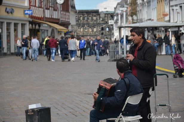 Músicos callejeros que le dan ese toque de alegría a las calles.